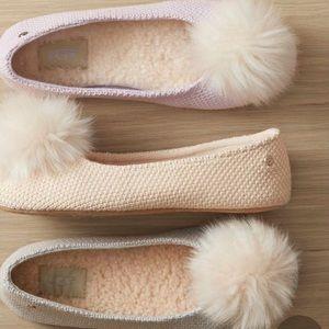 Ugg SZ 7 Andi Pom Pom Slipper Shoes New Cream